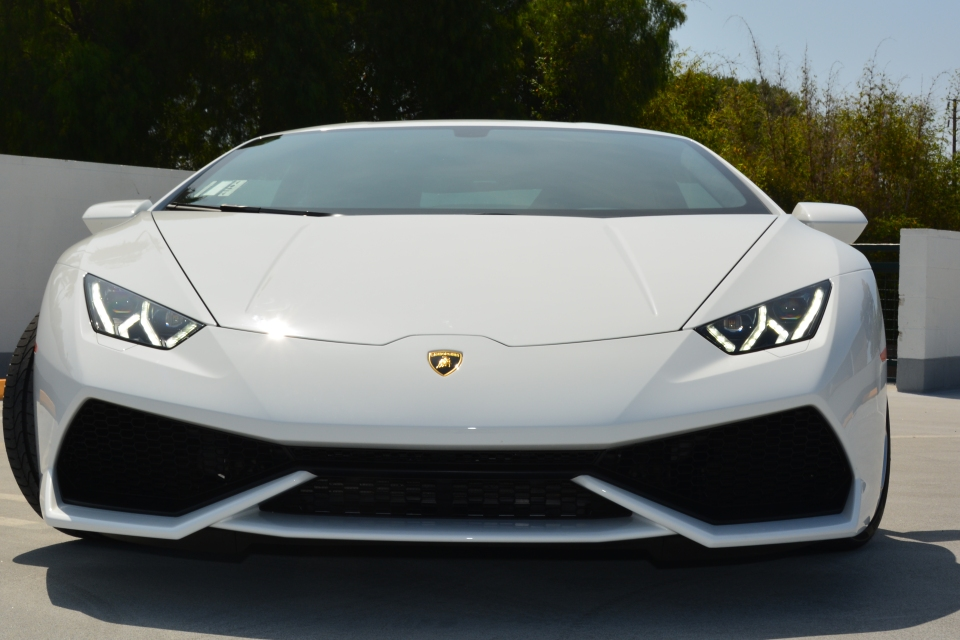lamborghini huracan rental price lamborghini huracan rental rent a lamborghini huracan. Black Bedroom Furniture Sets. Home Design Ideas
